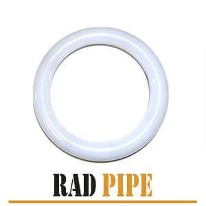 گسکت تفلونی رادپایپ دارای شکلی رینگی و رنگی کاملا سفید بوده که در سایزهای متفاوت به مشتریان ارائه می شود